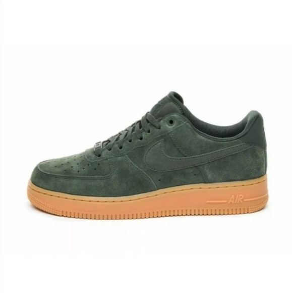 nike air force 1 lv8 suede